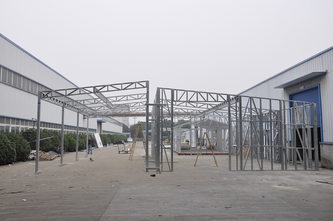 China Advanced Light Steel Frame Structure Metal Car Sheds/ Waterproof Prefabricated Sheds