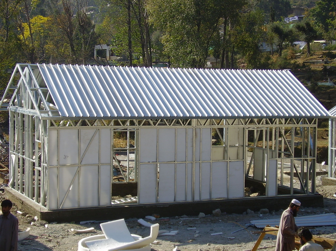 Piccola casa di legno d 39 acciaio prefabbricata pieghevole - Casa in acciaio prezzo ...